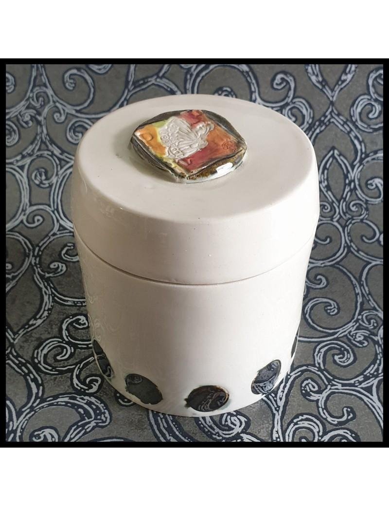 boîte céramique grès blanc motif papillon